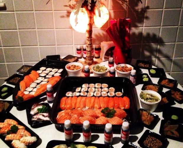 Japonês caprichado para comemorar o aniversário do amado! (Foto: Arquivo Pessoal)