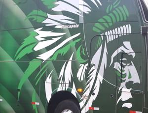 Flecha Verde, ônibus personalizado do Guarani (Foto: Heitor Esmeriz / Globoesporte.com)