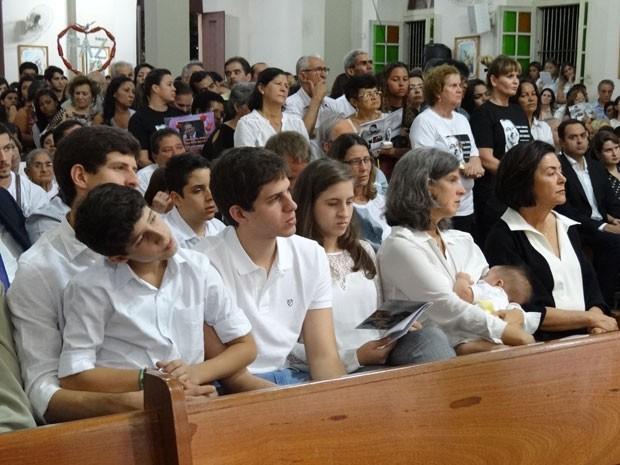 Renata Campos com os cinco filhos e a sogra, Ana Arraes (Foto: Luna Markman / G1)