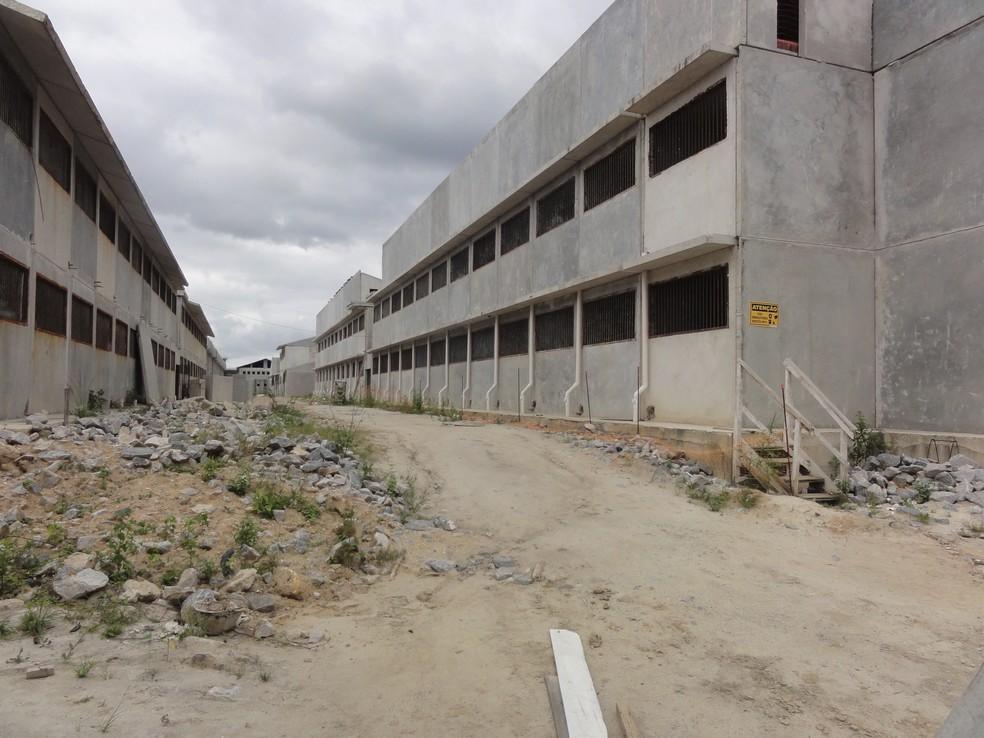 Obra de Cadeia Pública paralisada em Bangu (Foto: Divulgação)