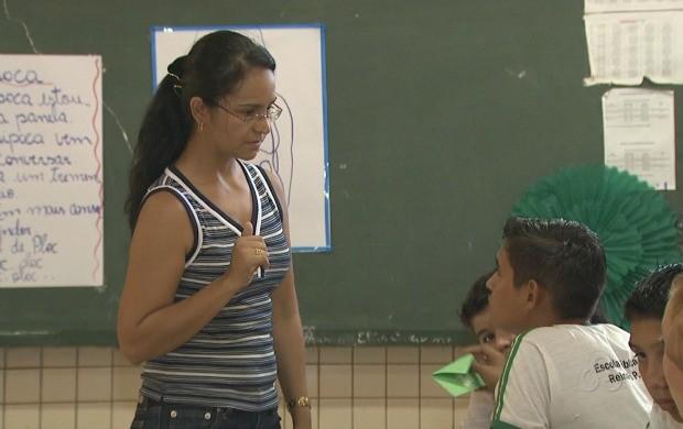 O projeto é levado às escolas para diminuir a diferença idade/série. (Foto: Acre TV)