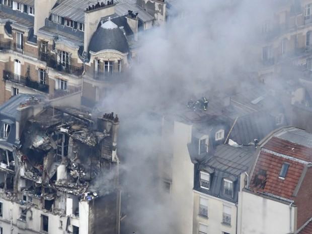 Explosão ocorrida após vazamento de gás deixou feridos em um prédio na Rua Bérite, em Paris, na manhã desta sexta-feira (1º)  (Foto: Dominique Faget/AFP)