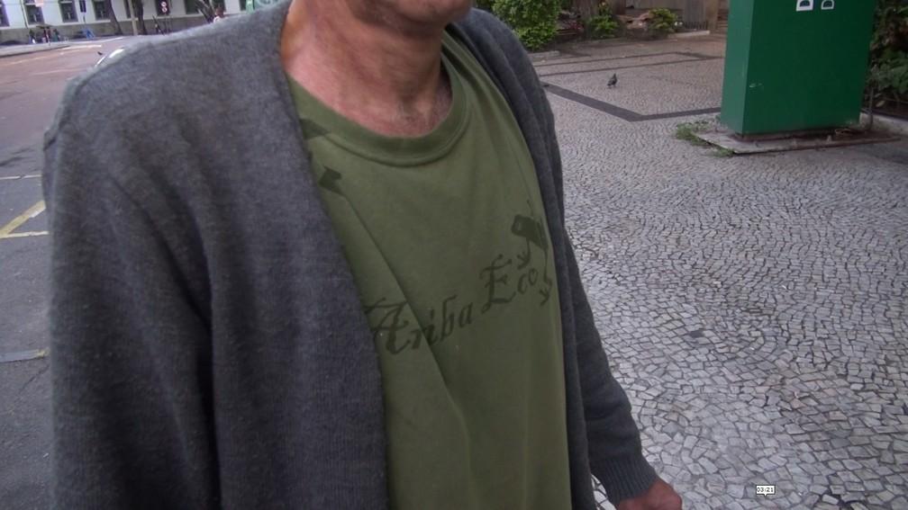 Com curso superior, homem desempregado vive nas ruas do Rio (Foto: Bruno Albernaz / G1)