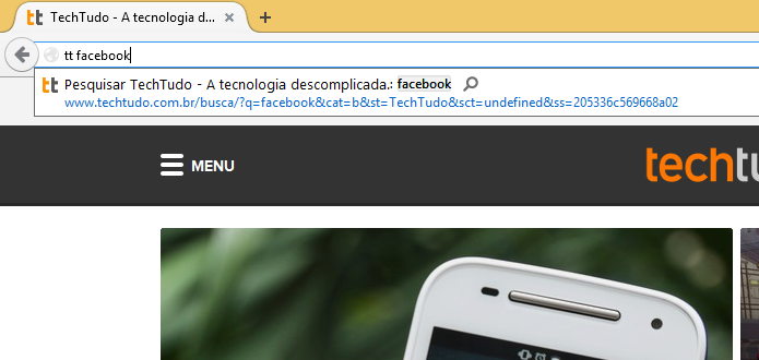 Realizando pesquisa no TechTudo direto da barra de endereços do Firefox (Foto: Reprodução/Helito Bijora)