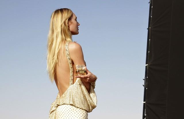 Candice Snawepoel para a Givenchy (Foto: Divulgação)