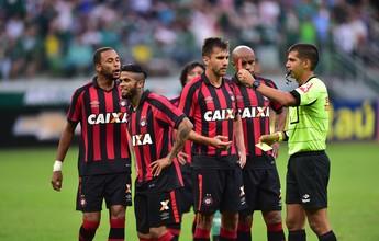 Recuperado, Paulo André treina no Atlético-PR e pode voltar contra o Inter