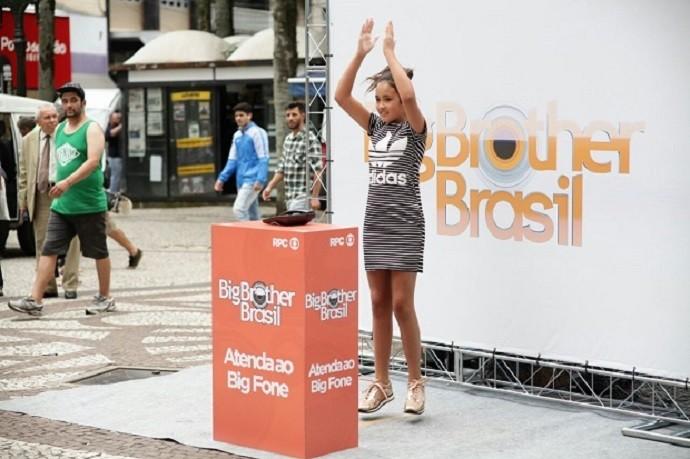 Polichinelos, gritos e imitações: aqueles que atendiam precisavam entrar na dança (Foto: Luiz Renato Corrêa/RPC)