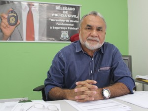 Delegado Ademar Canabrava explicou sobre investigação para prender suspeito (Foto: Catarina Costa/G1 PI)