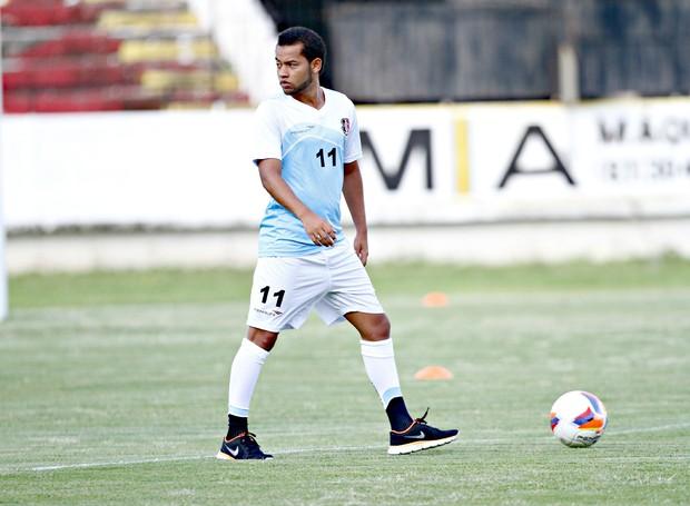 Lelê marcou o primeiro gol na temporada  (Foto: Aldo Carneiro / Pernambuco Press)