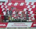 Márquez vence, dupla da Ducati cai na última curva, e entrega pódio a Rossi