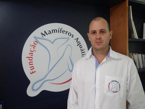 O diretor-presidente da Fundação Mamíferos Aquáticos (FMA), João Carlos Gomes Borges, questiona o acordo dos governos (Foto: Penélope Araújo/G1)
