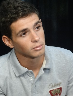 Oscar concede entrevista na redação da RBS TV (Foto: Caetanno Freitas / GLOBOESPORTE.COM)