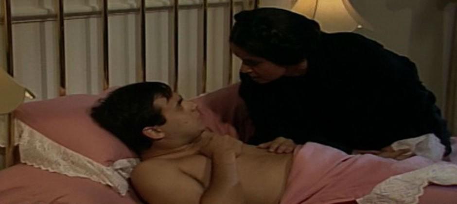 Perpétua flagra Ricardo na cama de Tieta