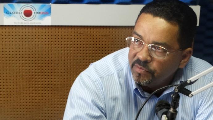 licius cavalcanti central (Foto: André Ráguine / GloboEsporte.com)