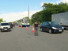 Operação multa 79 motoristas com farol apagado de dia no Grande Recife