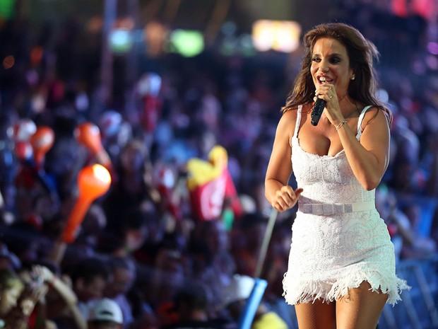 Ivete Sangalo faz o público pular em Atlântida (Foto: Jefferson Bernardes/Preview.com, Divulgação)