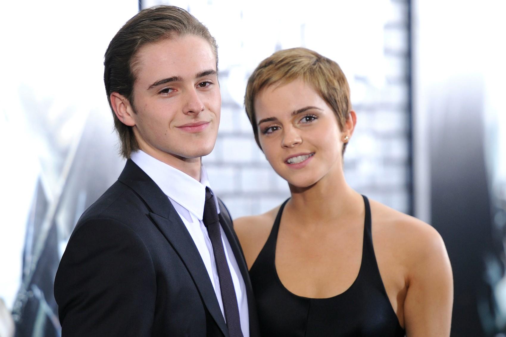 O irmão de Emma Watson é modelo! Ele tem 21 anos (três a menos que a irmã) e se chama Alex Watson. (Foto: Getty Images)