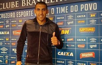 "Ramón Ábila chega motivado e elogia torcida do Cruzeiro: ""Impressionante"""