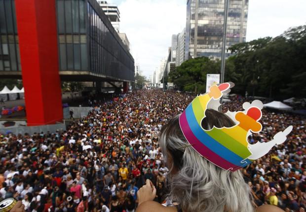 Milhares de pessoas lotam a Avenida Paulista durante a 21ª Parada do Orgulho LGBT de São Paulo (Foto: Cesar Itiberê/Fotos Públicas)