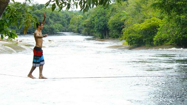 slackline amazonas (Foto: Arquivo pessoal Nil Nepomuceno)