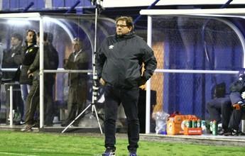 Guto Ferreira despista sobre concorrência no meio-campo do Bahia