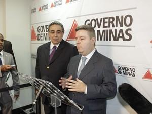 Governador de Minas, Antonio Anastasia, afirma que a seca tende a piorar nos próximos meses. (Foto: Valdivan Veloso / G1)