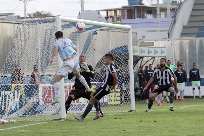 Moacyrzão Macaé Botafogo (Foto: Tiago Ferreira / Macaé Esporte Futebol Clube)