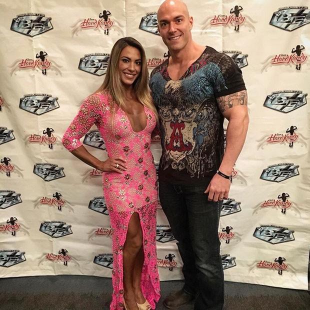 Ex-BBB Michelly e o marido, Carlos Tomaiolo, em evento em Orlando, nos Estados Unidos (Foto: Instagram/ Reprodução)