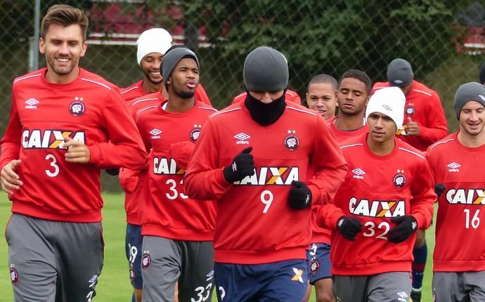 Atlético-PR treino (Foto: Thiago Ribeiro)