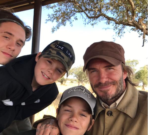 David Beckham ao lado dos filhos (Foto: Instagram/Reprodução)