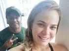 Paulinha Leite malha e reclama de TPM: 'Quero tudo que não deve'