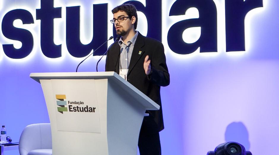 Tiago Mitraud, diretor-executivo da Fundação Estudar (Foto: Divulgação)