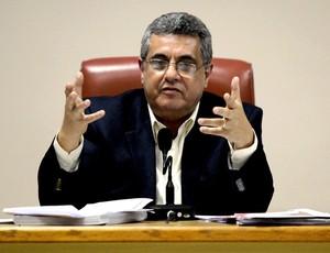 rubens lopes, em reunião arbitral para o cariocão 2011 (Foto: Cezar Loureiro / Agência O Globo)