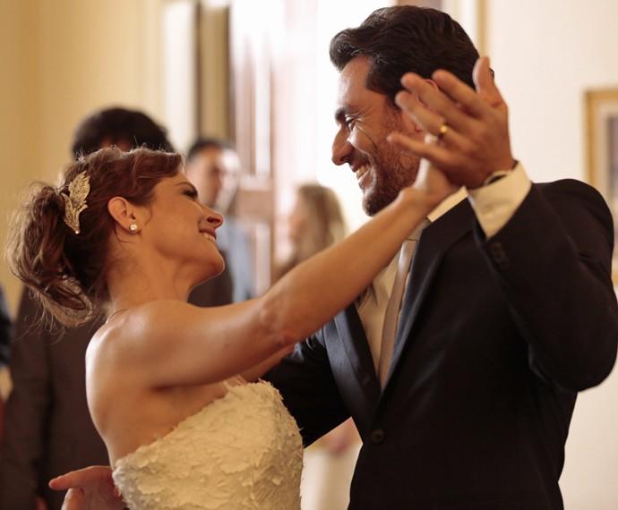 Carolina dança com Alex (Foto: Felipe Monteiro/ Gshow)