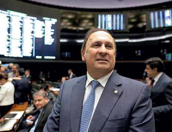 O deputado João Gualberto.Ele tem empresa zumbi e votou a favor de projeto que facilita negociação de dívidas (Foto:  Alexssandro Loyola/Agência Câmara)