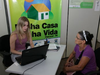 Famílias devem ir até a prefeitura atualizar o cadastro (Foto: Prefeitura Municipal de Cascavel/Divulgação)