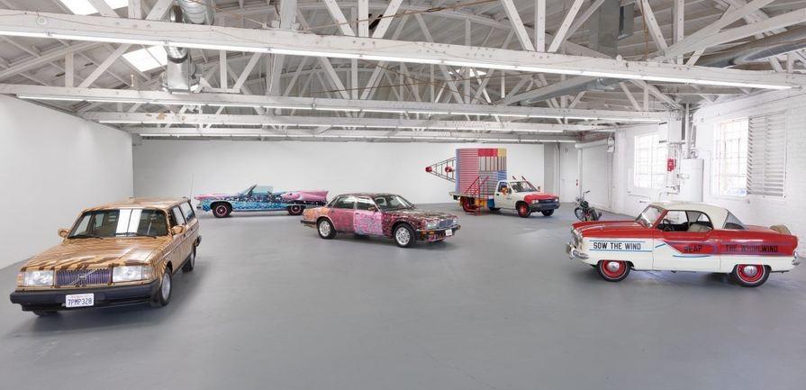 Exposição 'Piston Head II' em Los Angeles (Foto: Divulgação)