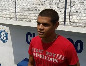 Hallyson estava jogando a segunda divisão do futebol pernambucano (Foto: Reprodução/TV Liberal)