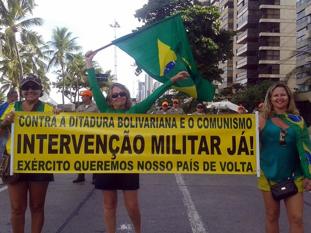 [Imagem: protesto_tarde_luna3.jpg]