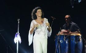Simone faz show na Barão da Gamboa
