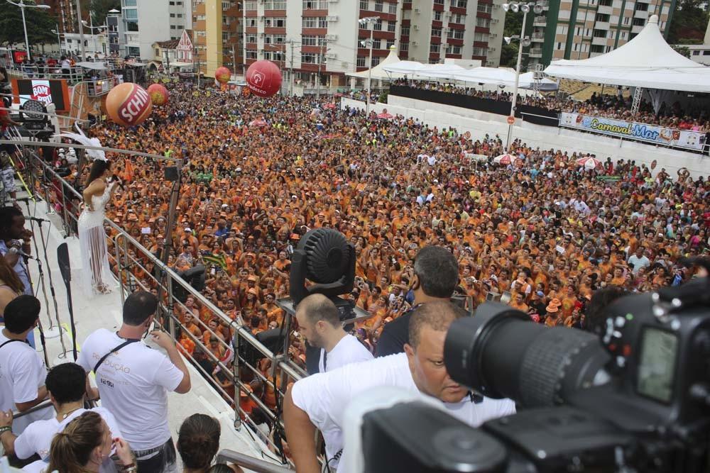 Multidão se aglomera no bloco de Ivete (Foto: Ricardo Cardoso/Revista QUEM)