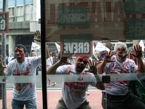 greve bancários zumbi zumbis porto alegre rs (Foto: Thiago Oliveira/Agência Free Lancer/Estadão Conteúdo)