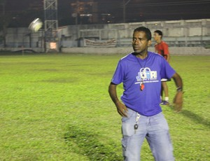 Técnico do Genus, José Francisco (Foto: Hugo Crippa/GLOBOESPORTE.COM)