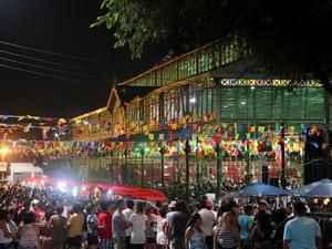 Além das apresentações musiciais, o Mercado dos Pinhões recebeu nos dias 9 e 10 de junho quadrilhas infantis e adultas. (Foto: Prefeitura de Fortaleza/Divulgação)