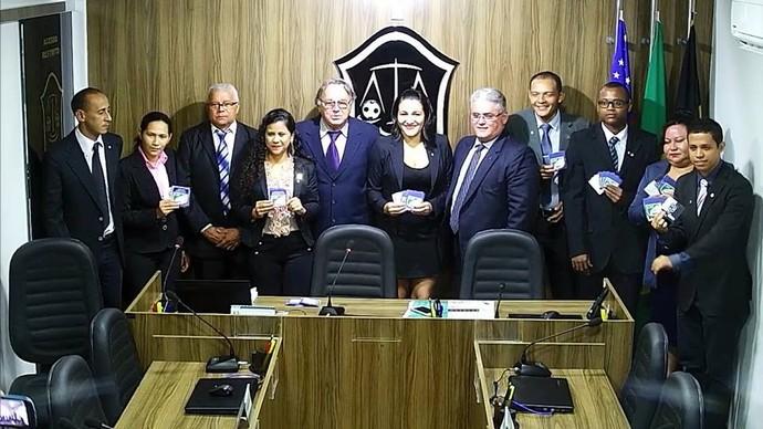 Árbitros receberam insígnias da CBF nesta quarta-feira (Foto: Divulgação/TJD)