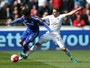 """Alexandre Pato é chamado de """"peso morto"""" no Chelsea por jornal inglês"""