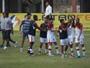Em jogo com 4 expulsões da Sema, Fla-SP vence com gol aos 44 do 2º