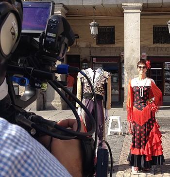 Gravando em Madri. (Foto: Divulgao / GNT)