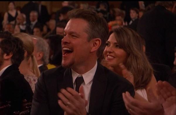 Matt Damon empolgado com a presença de Brad Pitt no Globo de Ouro (Foto: Reprodução)