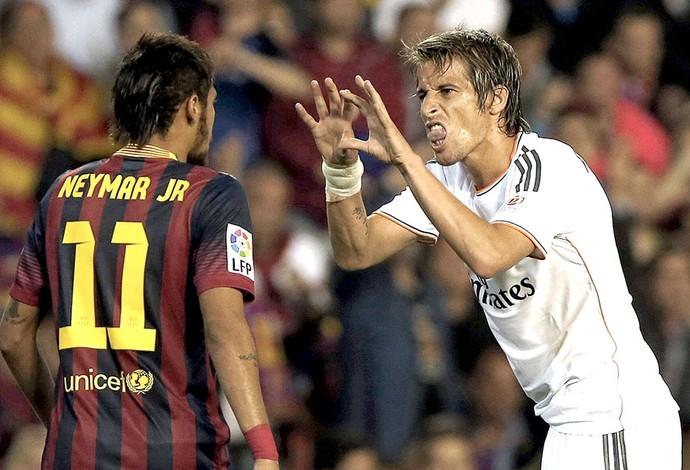 Neymar e Coentrão jogo Real Madrid e Barcelona final Copa do Rei (Foto: EFE)
